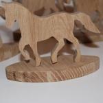Фигурка лошади из дерева - дуб