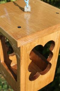Деревянная кормушка фонарик (3615)